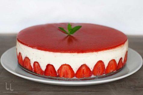 prajitura cu capsuni si iaurt in stil fraisier reteta prajitura cu capsuni si iaurt video