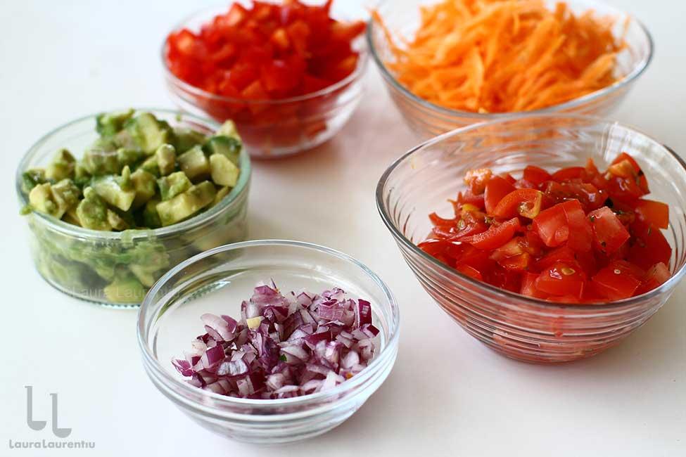 diferite legume pregatite pentru salata