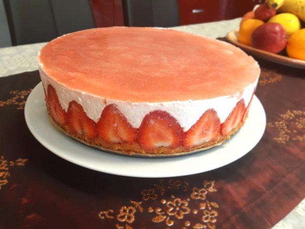 Prăjitura cu iaurt și căpșuni în stil Fraisier încercată de Dana Dana