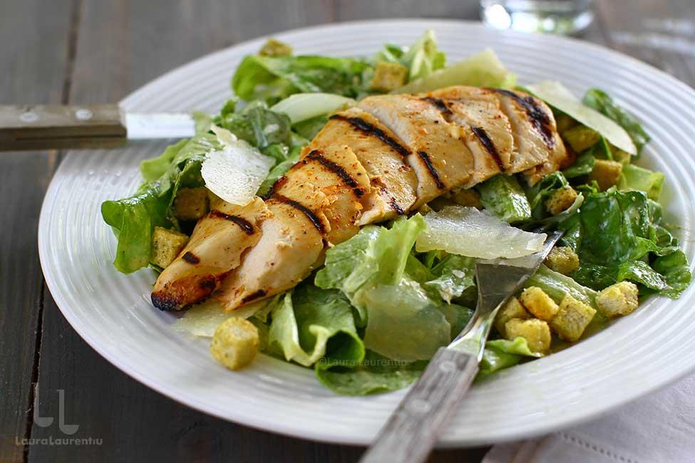 salata caesar scurt istoric si reteta pas cu pas