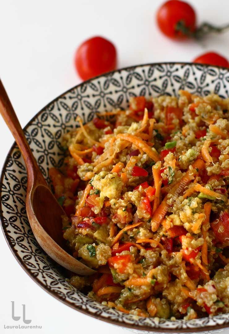 salata de quinoa cu cruditati reteta pas cu pas