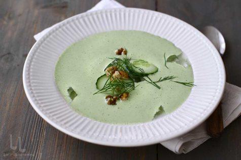 Tarator – supa rece cu castraveți și usturoi