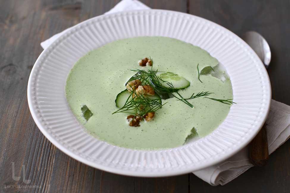 Tarator - supa rece cu castraveți și usturoi