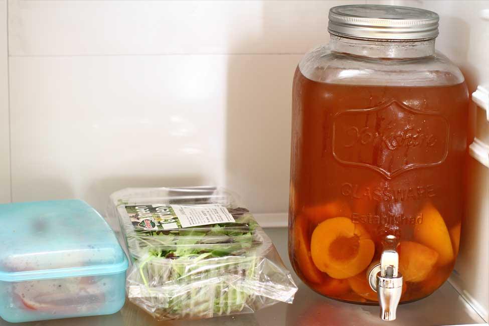 bautura racoritoare ceai cu piersici fara zahar in frigider