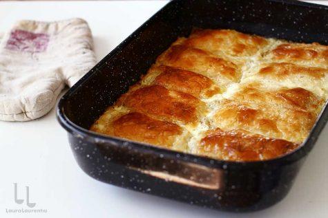Plăcintă cu brânză și smântână cu foi subțiri de casă – štrukli croat