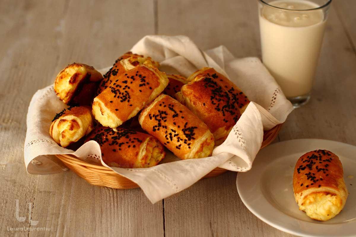 Pateuri cu brânză sărată - rețetă video pas cu pas