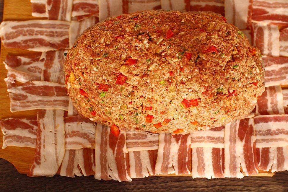 asamblare cas de carne in bacon