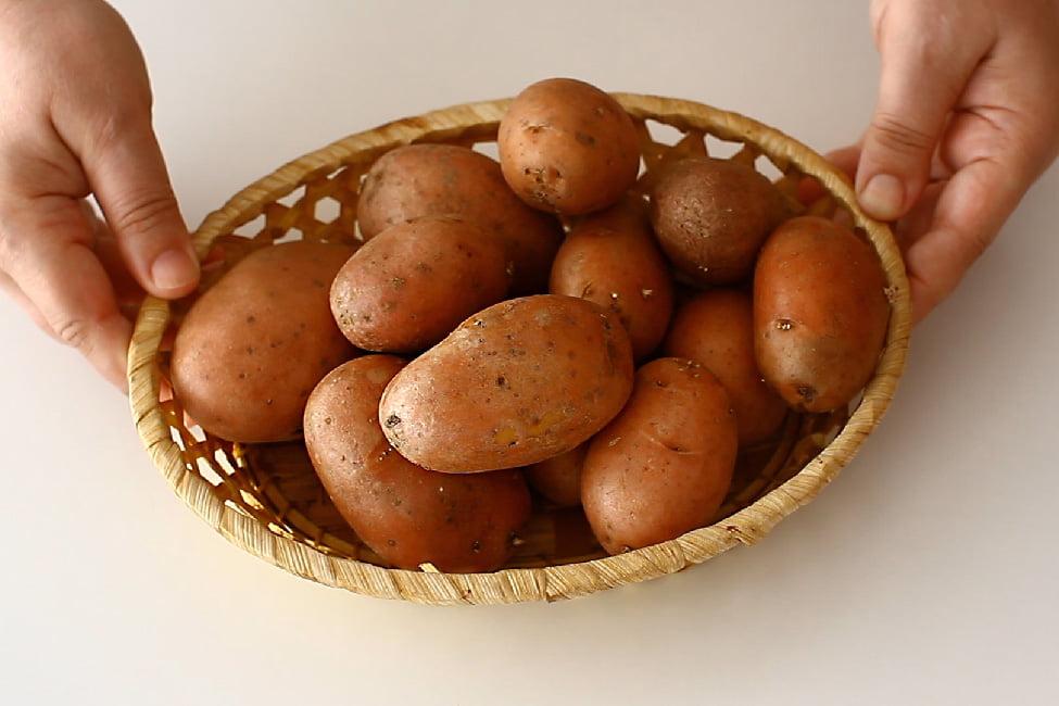 cartofi in cosulet