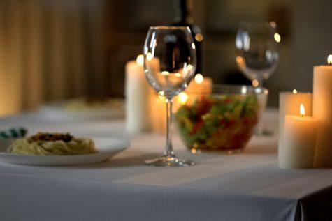 Idei pentru o cină romantică de Sfântul Valentin, în doar 30 de minute