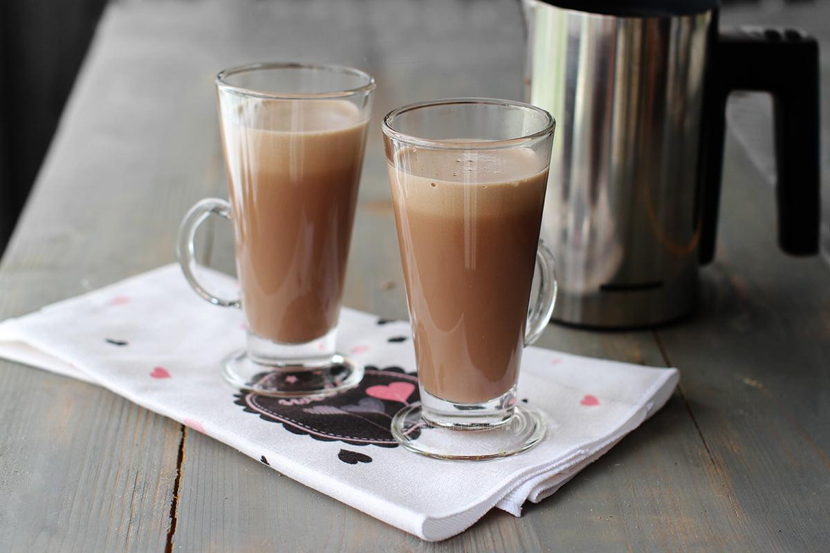 ciocolata calda ceylon spice in pahare
