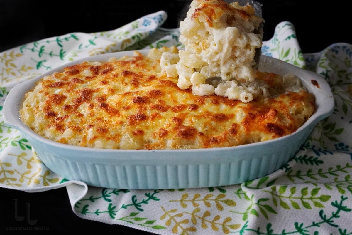 Macaroane cu brânză la cuptor (sărate)