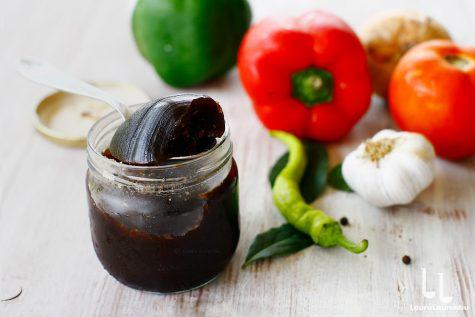 Supă de bază, stock, bază concentrată pentru mâncăruri și sosuri făcută în casă