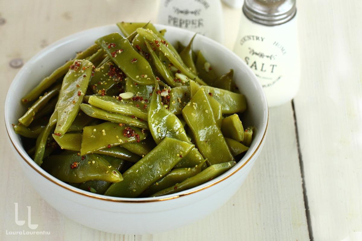 Salată de fasole verde cu dressing de muștar