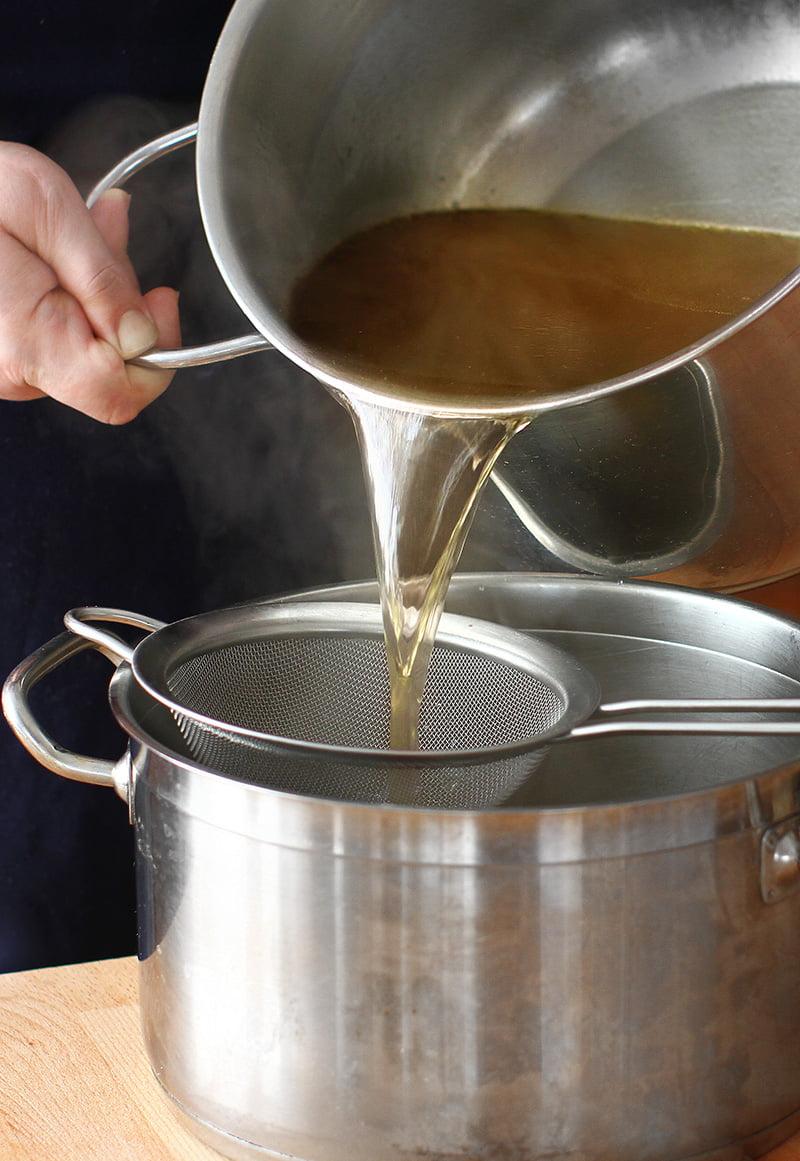 supa de baza stock de legume si carne limpezire