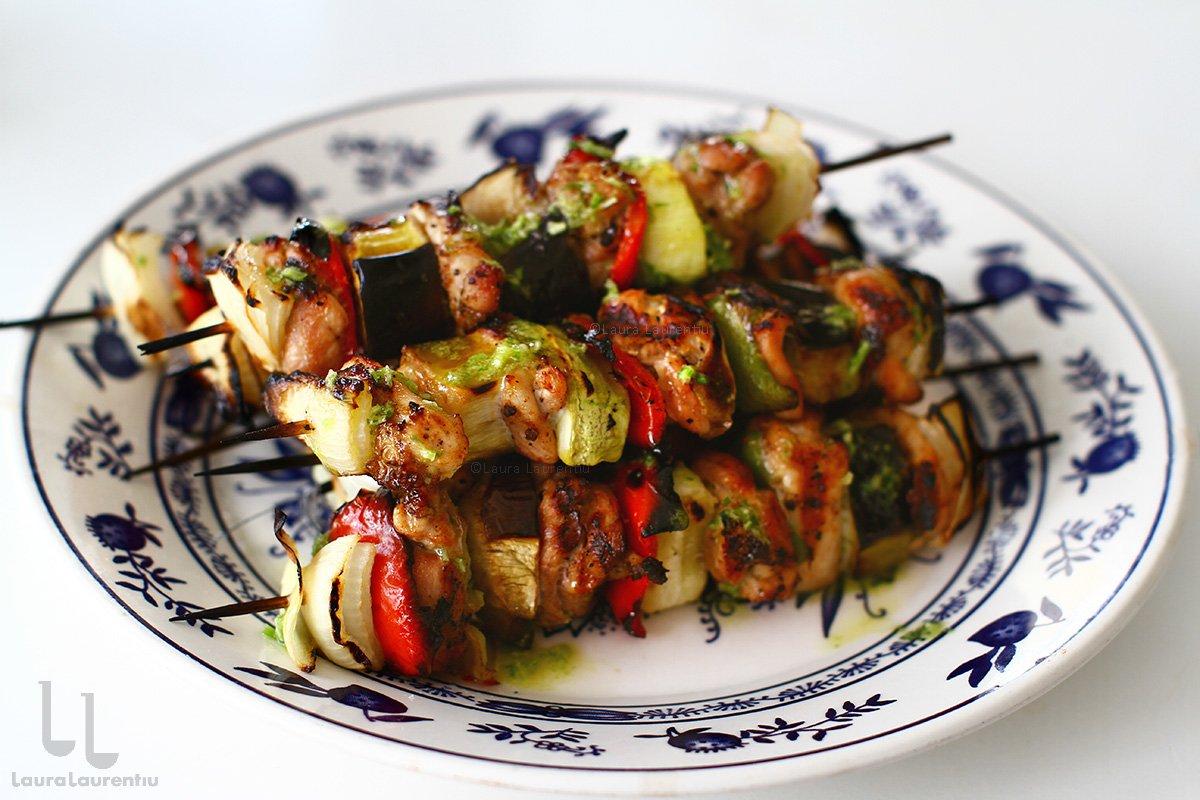 Frigărui de pui cu legume - rețetă simplă și gustoasă