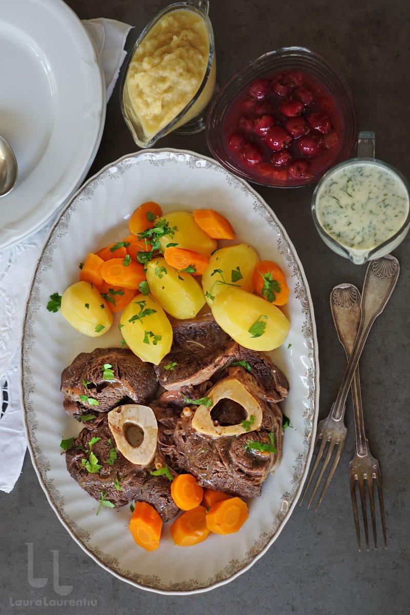 rasol de vita in stil vienez reteta rasol de vita cu legume si sosuri ca la viena reteta pas cu pas