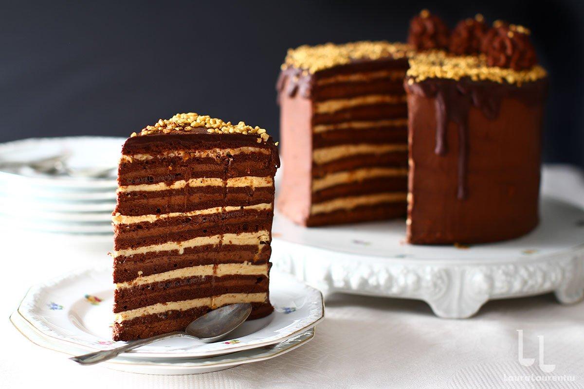 felie cel mai bun tort de ciocolata tort de ciocolata festiv reteta laura laurentiu