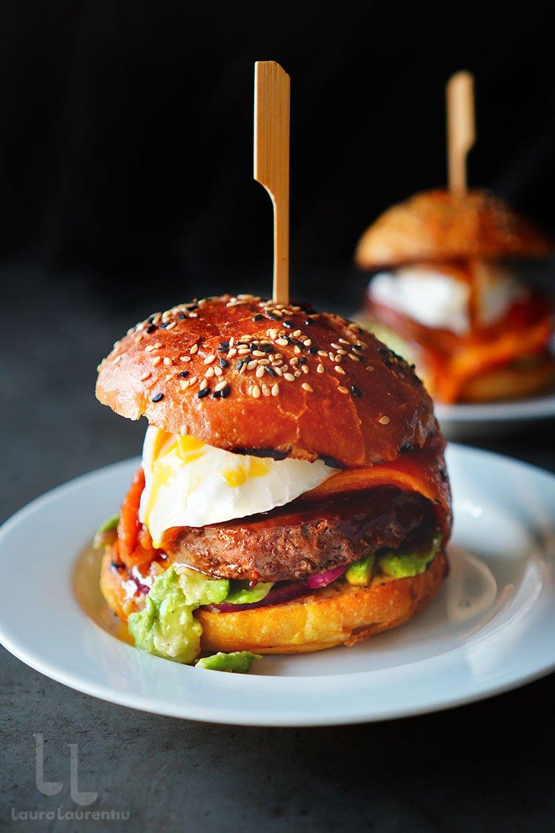 reteta de burger de porc hamburger de porc reteta video laura laurentiu