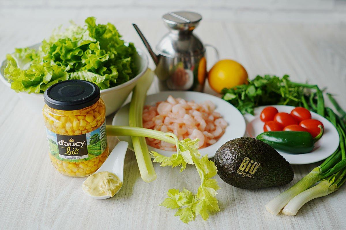 ingredientele pentru prepararea salatei