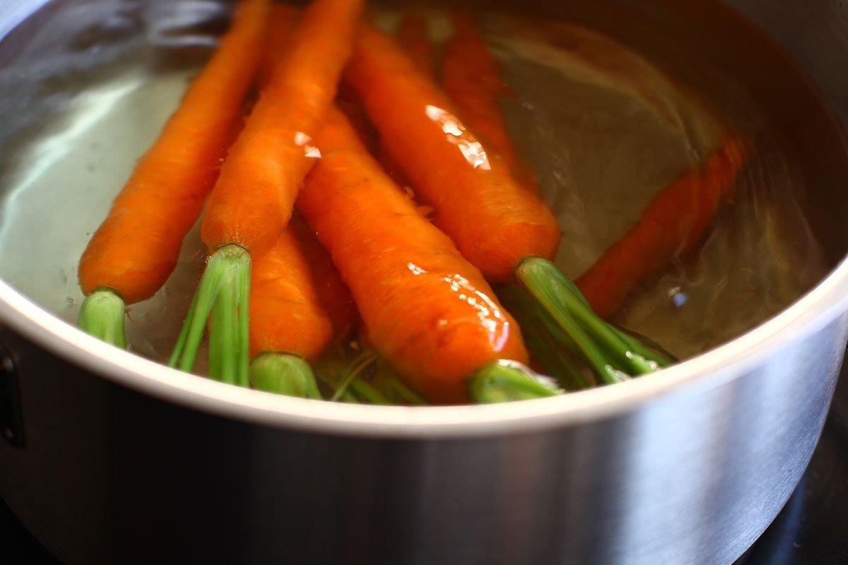 fierbere morcovi