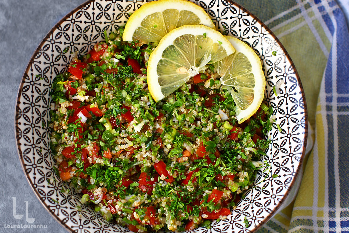 salata tabbouleh close up