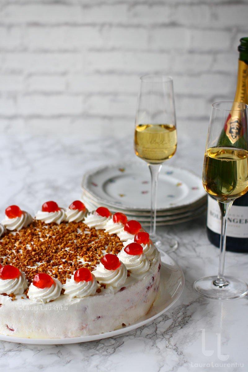 tort cu visine si crema de vanilie fara coacere reteta laura laurentiu