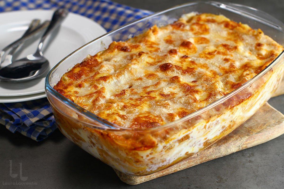 Paste la cuptor cu ragu de carne și mozzarella - rețeta italiană pasta al forno